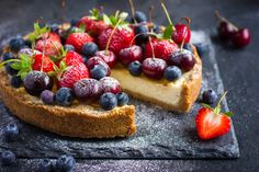 Beautiful and fresh dessert - Fruit Tart with Fresh Berries; a shortbread crust topped with pastry cream and fresh berries. Vanilla Recipes, Sweet Recipes, Healthy Desserts, Delicious Desserts, Sugar Free Jam, Low Fat Cream Cheese, Tart Shells, Summer Berries, Fruit Tart
