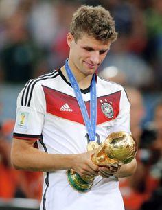 Rock a bye baby. Madrid Football, Football Is Life, World Football, Football Fans, Football Players, Neymar, Messi, Germany Team, Germany Football