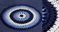 Crochetez du ruban et créez un petit tapis aux couleurs de l'été. Ce drôle de fil est un tube de jersey avec lequel on réalise de beaux objets déco. A découvrir aussi, les Granny squares ...