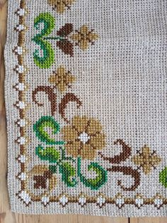 Lovely floral cross stitch embroidered tablecloth/doily in linen from Sweden - Bordado Cross Stitch Bookmarks, Cross Stitch Heart, Cross Stitch Cards, Cross Stitch Borders, Cross Stitch Alphabet, Cross Stitch Designs, Cross Stitching, Cross Stitch Embroidery, Cross Stitch Patterns