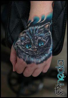 Hand Fantasie Katzen Tattoo von Rich Pineda Tattoo
