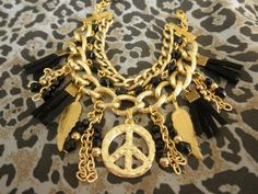 Pulsera Dorada y negra por Complementos Appasionada! Peace And Love, Jewelry Making, Chain, How To Make, Fashion, Gold Bracelets, Accessories, Manualidades, Jewelery