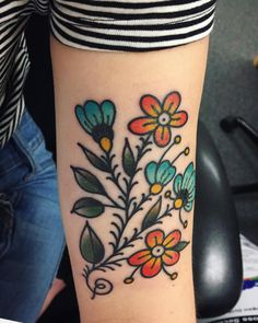 My folksy flowers done recently by Mia Graffam at Victory Tattoo in Nashville, TN : tattoos Future Tattoos, Love Tattoos, Beautiful Tattoos, Body Art Tattoos, Tattoos For Guys, Tatoos, Forearm Tattoos, Vintage Blume Tattoo, Vintage Flower Tattoo