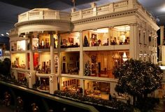 The 12 Coolest Dollhouses Ever (Most Of Which Are Worth More Than Your Actual House) Miniature Rooms, Miniature Crafts, Miniature Houses, Dollhouse Dolls, Dollhouse Miniatures, Victorian Dollhouse, Modern Dollhouse, Doll House Plans, Mini Doll House
