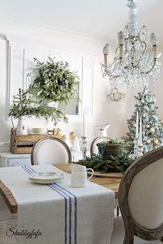 French Country Rustic Elegant Christmas Dining Room from Shabbyfufu. Come see how to DIY decorate with a French Country twist!