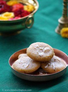 Rava Kudumulu - Steamed sweet dumplings made with semolina, jaggery, coconut and cardamom. An easy #recipe for Ganesh Chaturthi