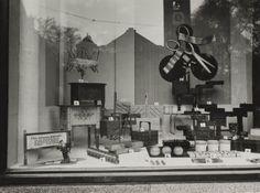 Bijenkorf Etalage 1942