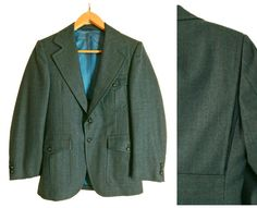 Great details make this an outstanding 1970s vintage two piece suit