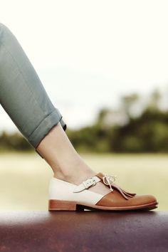 20 hipsters from Zapatos are a cool look Pretty Shoes, Beautiful Shoes, Cute Shoes, Me Too Shoes, Awesome Shoes, Shoe Boots, Shoes Sandals, Heels, Brogues