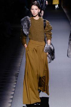 http://www.vogue.ru/collection/autumn_winter2016/ready-to-wear/paris/Vionnet/