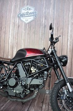 Ducati SS 900 Street Tracker by Cafe Racer Napoli #motorcycles #streettracker #motos | caferacerpasion.com