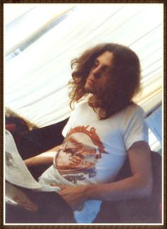 A rare candid photo of Allen Collins. What Adam looked like while preparing for the role of Allen Collins Great Bands, Cool Bands, Gary Rossington, Lynard Skynard, Allen Collins, Ronnie Van Zant, Glenn Frey, Guitar Tips, Rock Legends