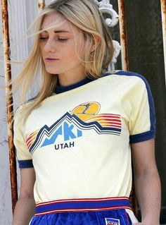 Rare Vintage Graphic Ski Utah Ringer Destination Tee - Made in USA This tee is amazing! The cut is slim and the graphic bright and beautiful. The design of this ringer tee is super unique with co Vintage Ski, Vintage Shirts, Vintage Outfits, Vintage Florida, Vintage Graphic, Retro Shirts, Vintage Clothing, 80s Fashion, Daily Fashion