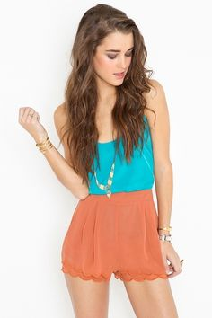 I need something scalloped in my closet....shorts, skirt, dress....I love this look!