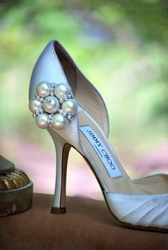 Pearls & Silver Flower Shoe Clips. Statement Feminine Hot Summer Fashion, Handmade Couture Bridesmaid, Bridal Shower Present Elegant Holiday