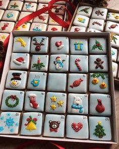 Cute Christmas Cookies For 2018 Galletas lindas de navidad Cute Christmas Cookies, Easy Christmas Cookie Recipes, Christmas Biscuits, Iced Cookies, Christmas Sweets, Christmas Cooking, Holiday Cookies, Cupcake Cookies, Simple Christmas
