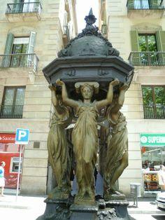 Publicamos las fuentes de Wallace de Barcelona.  #historia #turismo http://www.rutasconhistoria.es/loc/fuente-de-wallace-de-barcelona