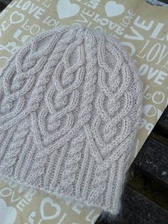 Knitting hat cable slouchy beanie 27 ideas - redflag Source by Cable Knit Hat, Cable Knitting, Baby Hats Knitting, Knit Beanie Hat, Knitted Hats, Crochet Hats, Slouchy Beanie Pattern, Beanies, Knit Crochet