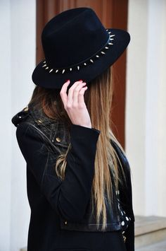 hat fashion Grunge punk long hair Alternative darkness goth gothic leather jacket pastel goth Spiked dark fashion gothic girl all black gothic fashion alternative fashion dark beauty black hat punk style gothic beauty
