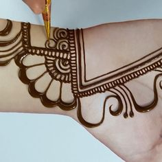 if you are just a beginner then this mehndi design is just right for you. It is extremely simple and features all the common motifs used in Simple mehendi. this design is great for practicing at home Very Simple Mehndi Designs, Mehndi Designs Book, Mehndi Designs For Girls, Mehndi Designs For Beginners, Mehndi Designs 2018, Mehndi Designs For Fingers, Mehndi Design Photos, Mehndi Simple, Wedding Mehndi Designs