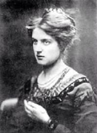 Pre-Raphaelite artist Marie Spartali Stillman (British, 1844–1927). Photo taken in 1868. Click for bio...