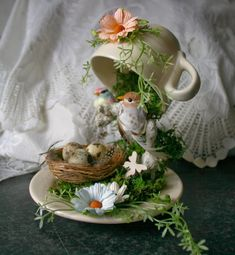 45 Beautiful Diy Summer Garden Teacup Fairy Garden Ideas 45 Beautiful Diy Summer Garden Teacup Fairy Garden Ideas In modern cities, it is almost impossible to. Tea Cup Art, Tea Cups, Diy Simple, Easy Diy, Cup And Saucer Crafts, Floating Tea Cup, Teacup Crafts, Teacup Decor, Diy Ostern