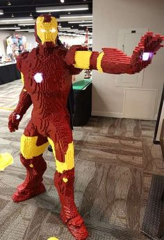 reputable site f1492 25aaa Evan Bacon s Life-Size LEGO Iron Man Sports a Realistic Arc Reactor  lego