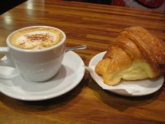 Italian croissant is a 'cornetto' Italian Chic, Italian Life, Best Of Italy, Living In Italy, Coffee Cafe, Croissants, Cravings, The Cure, Yummy Food