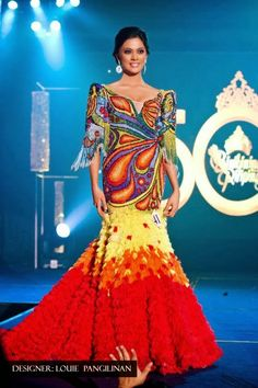 Ariella Arida - Miss Philippines Universe 2013 photos + video) Philippines Dress, Miss Philippines, Philippines People, Philippines Culture, Modern Filipiniana Gown, Filipino Fashion, Philippine Fashion, Vietnam Costume, Indie Mode