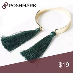 😍JUST IN😍 gold bar bracelet with fringe detail ♡♡♡♡♡♡♡♡♡♡♡♡♡♡ NEW ITEM IN MY BOUTIQUE  ♡♡♡♡♡♡♡♡♡♡♡♡♡♡  GOLD BAR BRACELET  WITH GREEN FRINGE / TASSLE DETAIL    bundle with other items for a great discount Jewelry Bracelets