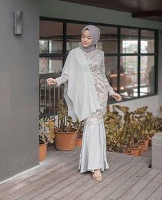 36 New Ideas For Party Graduation Outfit – – – Hijab Fashion 2020 Kebaya Modern Dress, Kebaya Dress, Dress Pesta, Dress Brokat Modern, Muslim Fashion, Hijab Fashion, Fashion Dresses, Kebaya Muslim, Muslim Dress