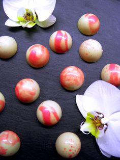 Csokoládé Reformer: Málnás maracujás bonbon Easter Eggs, Food Porn, Breakfast, Blog, Diet Recipes, Keto, Morning Coffee, Blogging, Skinny Recipes