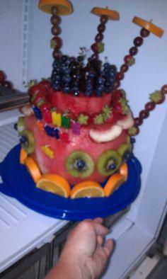 Gateau de fruits, fruit cake Cake, Desserts, Food, Tailgate Desserts, Deserts, Mudpie, Meals, Dessert, Yemek