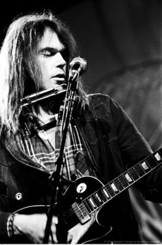 Mr. Young Neil (12/11/1945, Canada) rock singer-sonwriter