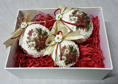 Set of 3 Christmas balls in giftbox by Thoulie on Etsy