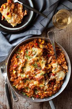 One Pot Chicken Enchilada Rice Casserole Source: RecipeTin Eats Where food lovers unite. One Pot Dinners, Dinners To Make, One Pot Rice Meals, Easy Meals, Casserole Recipes, Rice Casserole, Mexican Casserole, Skillet Recipes, Enchilada Rice