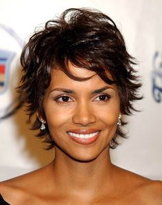 Halle Berry Hairstyle Transformation | Di Nozze