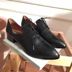"""pointy toe black flat menswear loafer lace up Brand is '& other stories' size 40, fits like a 9/9.5 Got these babies in a boutique in San Francisco on sale for $90 (originally $130), and they are just not super my style. Literally have never worn them except for around the house. Black leather uppers, super solid rubber soles with a 1"""" stacked heel. The inner and outer sides near your arches dip down low for sass. & other stories Shoes Flats & Loafers"""
