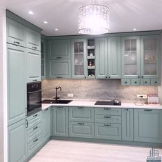 Luxury Kitchen Design, Kitchen Room Design, Diy Kitchen Decor, Home Room Design, Kitchen Cabinet Design, Kitchen Layout, Interior Design Kitchen, Green Kitchen Designs, Country Kitchen Designs