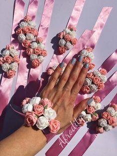 Bratara pentru domnisoare de onoare din trandafiri de spuma Perfect Wedding, Crown, Homemade, Weeding, Bracelets, Jewelry, Aphrodite, Weddings, Charm Bracelets