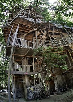 Biggest Treehouse In The World the minister's treehouse - crossville, tn. the world's largest