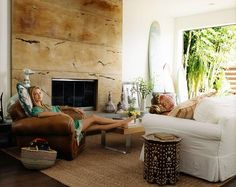 carolyn murphy's venice beach home. Love the mix of leather and slipcovered furniture.
