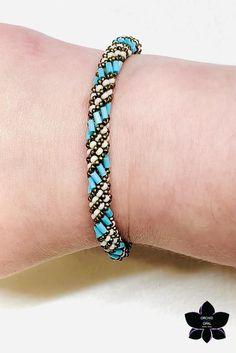 Seed Bead Bracelets Diy, Bracelet Crafts, Seed Bead Jewelry, Opal Jewelry, Handmade Bracelets, Seed Beads, Beaded Jewelry, Beaded Bracelets, Crochet Bracelet Tutorial