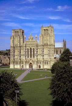 "Wells Cathedral is described as ""unquestionably one of the most beautiful"" English Cathedrals. You can see why!"