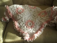 Crocodile Flower Square: free pattern (made into a blanket)