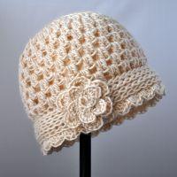 Free Pattern: Crochet Valentine Heart Earflap Hat | Classy Crochet Bonnet Crochet, Crochet Baby Hats, Crochet Beanie, Knit Or Crochet, Crochet Scarves, Crochet Crafts, Crochet Projects, Free Crochet, Crocheted Hats
