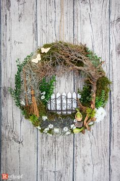 "Door wreaths – door wreath ""garden bench"" – a unique product by Rotkopf-design on DaWanda Wreath Crafts, Diy Wreath, Door Wreaths, Fall Arts And Crafts, Spring Crafts, Couronne Shabby Chic, Easter Wreaths, Christmas Wreaths, Deco Nature"