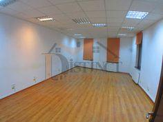 Casa de inchiriat pentru sediu firma, 3 camere, zona Grivitei . Basketball Court, Home