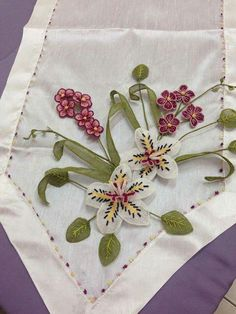 I Tatting, Napkins, Embroidery, Tableware, Jewerly, Love, Needlepoint, Dinnerware, Towels
