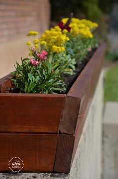 DIY Flower Planter Instructions and Tutorial | theidearoom.net
